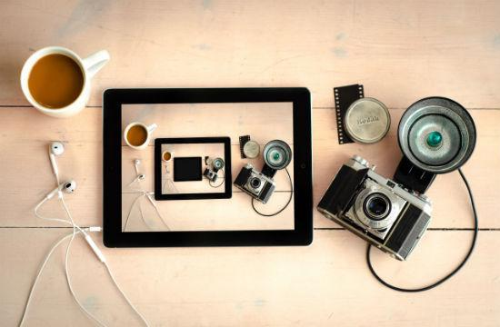 coffee-cup-camera-ipad-smaller-bigger.jpg