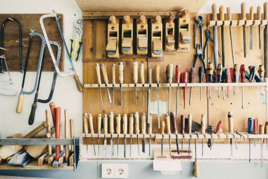 toolds-workshop-screwdrivers-garage-saws-pliers-hammers.jpg