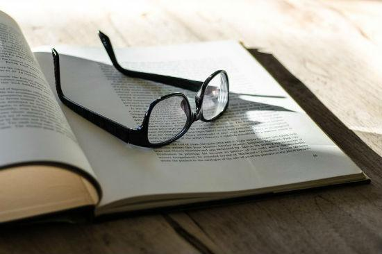 glasses-book-table.jpg